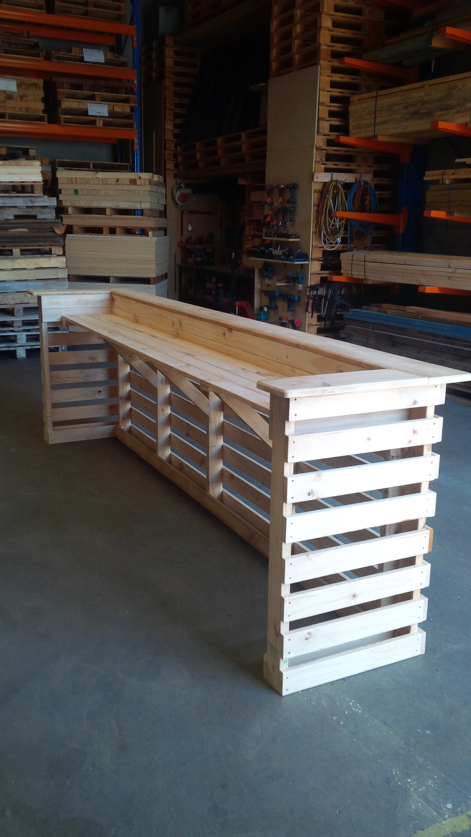Pallet bar unit pine 1800mm pallet west for Wooden bar unit
