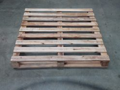 1120 x 1120 Dual Entry Pallets